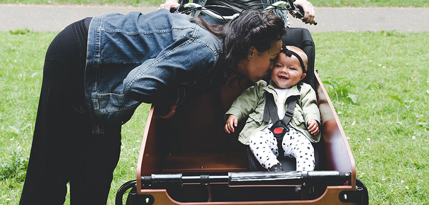 Baby in de bakfiets meenemen