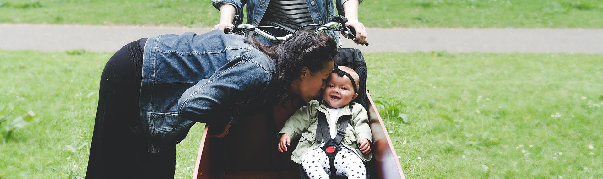 Baby op de fiets